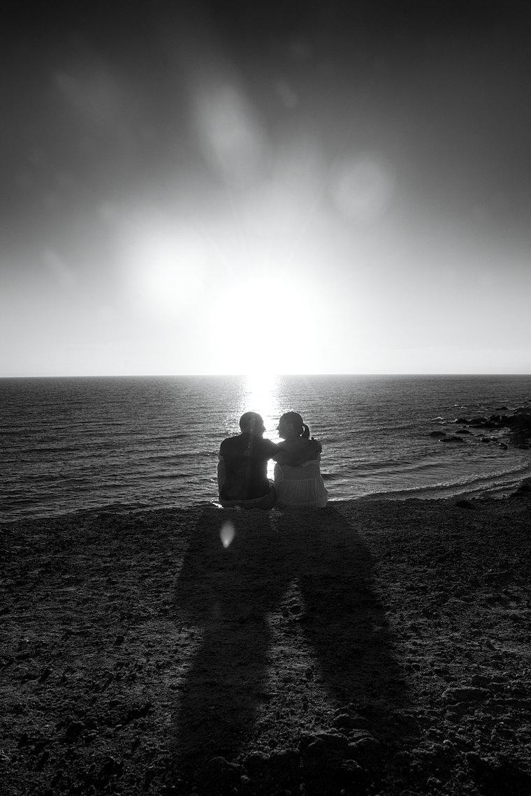 Preboda en la Playa en Blanco y Negro